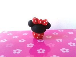 Minnie cupcake charm by Mishierru