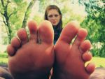 Brittany toes. 4 by Skysofdreams