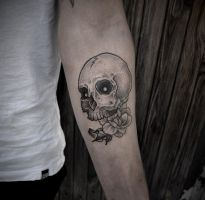 Skull tattoo by taras1shtanko