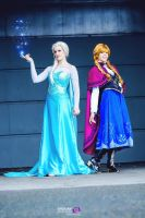 Frozen - Elsa  Anna - Disney - Frozen by ShashinKaihi