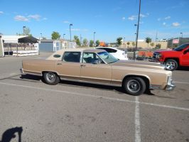 1978 Lincoln Continental Town Car by TheHunteroftheUndead