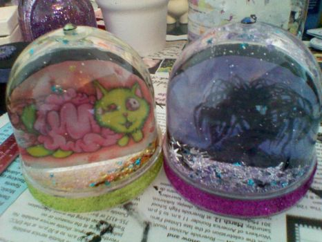snow globes..AND GLITTER by 0Necromancer0