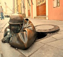 worlds-most-creative-statues-ON STREET by YOKOKY