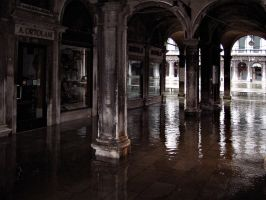 Water in San Marco by saracco