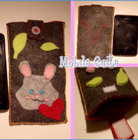 Mobile Suite Case in Felt with Rabbit by Gaggiolina92