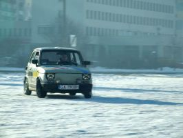Fiat 126p snow drift by dxcGareyt