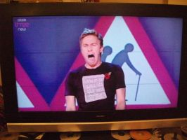 Russell Howard's Epic Face by Miku-Nyan02