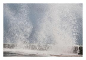 Splash 2 by Douce-Amertume