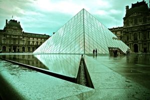 Louvre by RichOrridge