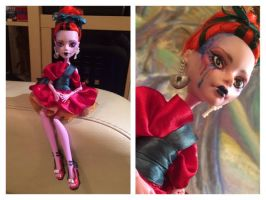 OOAK Operetta by SelcouthRabbit