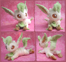 Leafeon - handmade plushie by Piquipauparro