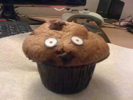A muffin with eyes, yeah? by zikayn