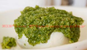 Pesto and Mozzarella by elieloox