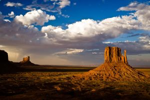 Monument Valley Sunset by MatthiasDO