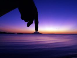 Touching Manado Tua by hamkahatta