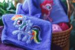 Embroidery example: Rainbow Dash by Duklida