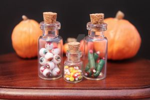 Halloween bottles by Jacarandahm