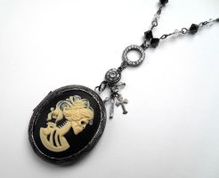 Locket Necklace Lady Death by Jin-ju