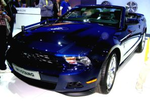 Blue Mustang Convertible by toyonda