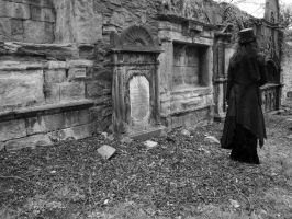 Death waits by Estruda