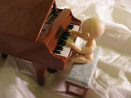 The Littlest Pianist by always-one