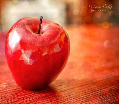 The Apple Red by davlinste