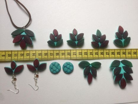 Leaf Charms and Jewelry by Sigilien
