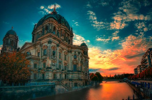 Berlin Dome by INVIV0