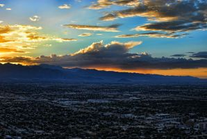 Rain clouds over Vegas by ibanezrobb