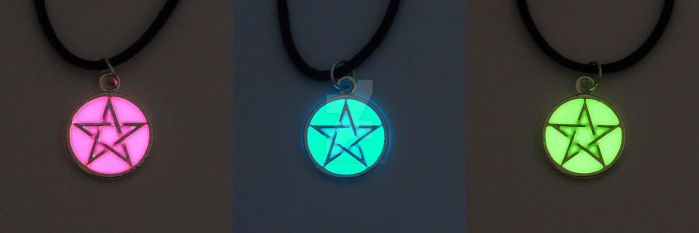 Glowing Pentagram Necklaces by ArchandSoul