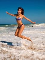 barefoot jumping  it is happy by hobu4ohok