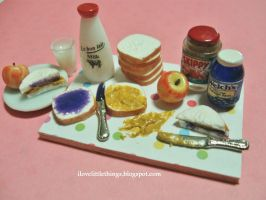 Miniature Peanut Butter Jelly Sandwich Prep Board by ilovelittlethings