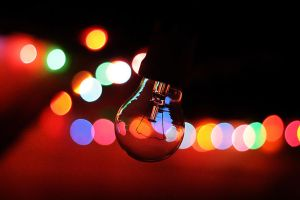 Lights and the bulb by jemebats