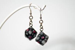 Companion Cube Felted Earrings by littlemissysg