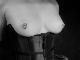 Corset and jewellery by explorergame
