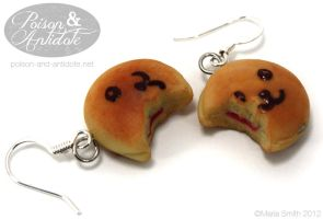 Dorayaki Earrings by chat-noir
