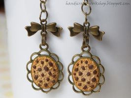 Cookie earrings on cabochon bases by Panna-Kot