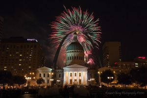 St Louis Fireworks 2010 by RHCheng