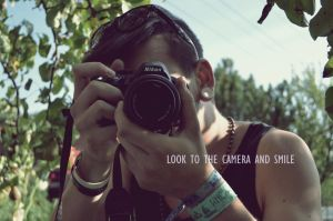 Look to camera and smile by Siliriel