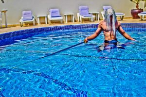 Sephiroth Cosplay - Pool shot by vega147