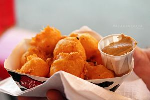 Hot Wisconsin Cheese Cheddar Nuggets by thebreat