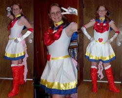 Super Sailor Moon by usagisailor