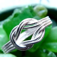 Double Knot SS Ring by che4u