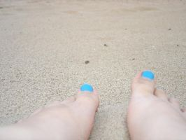 sandy toes by CherryRoad
