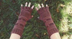 Knit Link Gauntlets by kateknitsalot