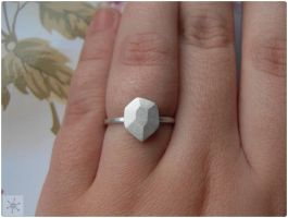 Faceted stone ring by wakingthewitchnakit