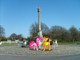 Pinkie Pie and Cheese Sandwich at Phoenix Park by laopokia