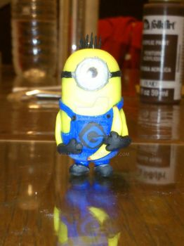 Minion with banana from the front. by JuliaJulsH