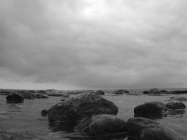 On the Rocks - bw by Silvre