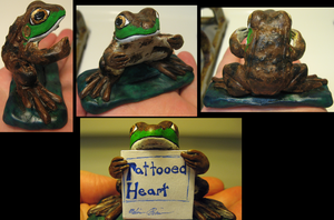 Northern Green Frog Sign-Holder by DancingVulture